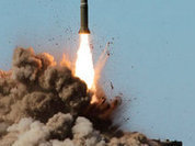 Маккейн: Лучше летать в космос на батуте, чем на РД-180