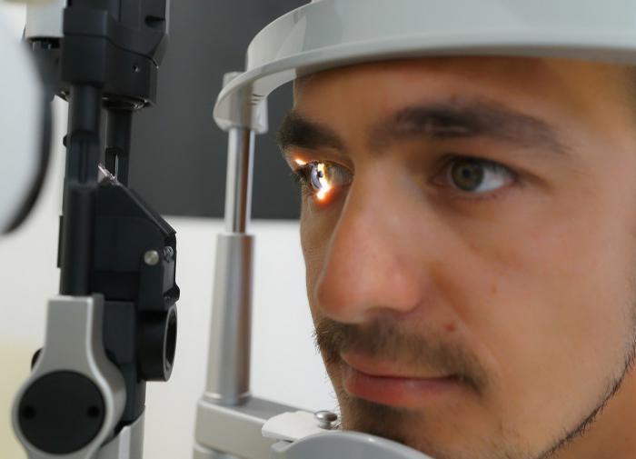 Офтальмолог рассказал о создании жидкого протеза сетчатки