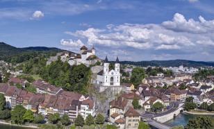 Швейцарский городок засыпало шоколадным снегом