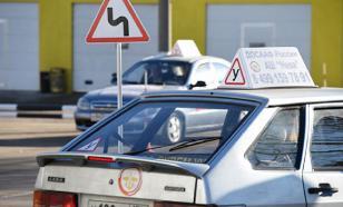 Учить вождению должны инструкторы автошколы. И точка - эксперт