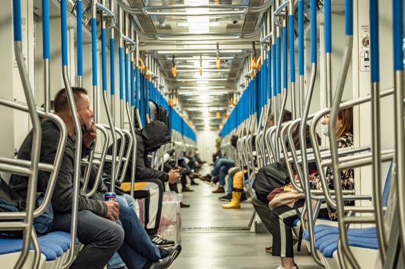 Жители Москвы снова могут пользоваться проездными