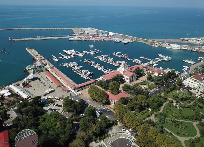 Торговые центры, отели и санатории открываются в Краснодарском крае