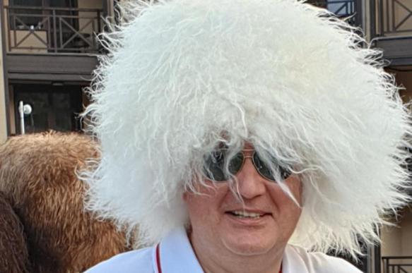 "Робота ""Федора"" заинтересовал головной убор Рогозина"