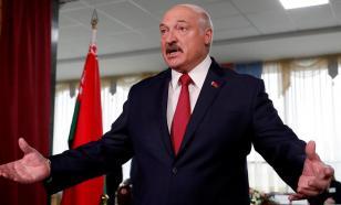 """Лукашенко попросил оппонентов """"не путаться под ногами"""""""