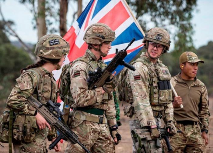 """Лондон возвращает в Афганистан """"ограниченный контингент"""" для эвакуации посольств"""