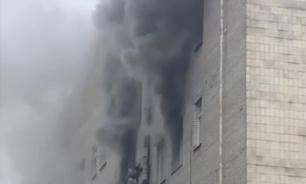 """В Санкт-Петербурге горит здание """"Лениздата"""""""