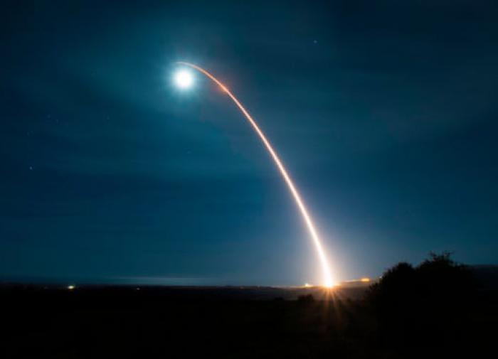 США запустили межконтинентальную баллистическую ракету Minuteman-3