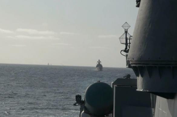Военные корабли отстрелялись по учебным целям в Тихом океане