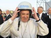 Политолог: Высказывания папы Франциска - его личная позиция. К политике это отношения не имеет