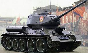 Российские военные выкопали танк Т-34 в районе Голанских высот и отреставрировали его