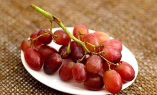Главное на Новый год - успеть проглотить 12 виноградин