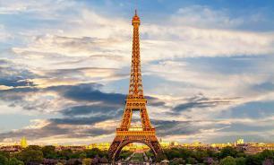 Самым фотографируемым объектом в мире стала Эйфелева башня