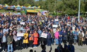 Тысячи жителей Калмыкии вышли на митинг с требованием отставки Хасикова