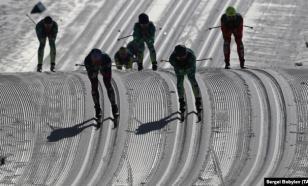 Определились номера российских лыжников на спринт в Руке