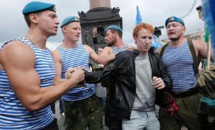 В Петербурге на День ВДВ отключат фонтаны, чтобы не купались десантники