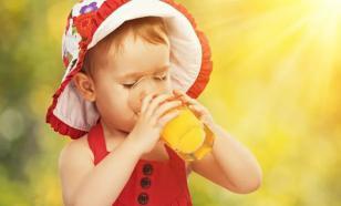 Диетолог рассказала о вреде фруктовых соков для детей