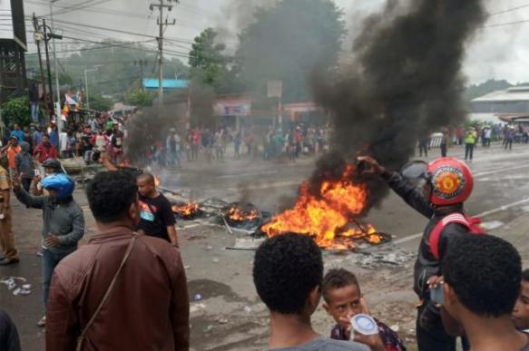 В Индонезии ограничили доступ в интернет из-за беспорядков