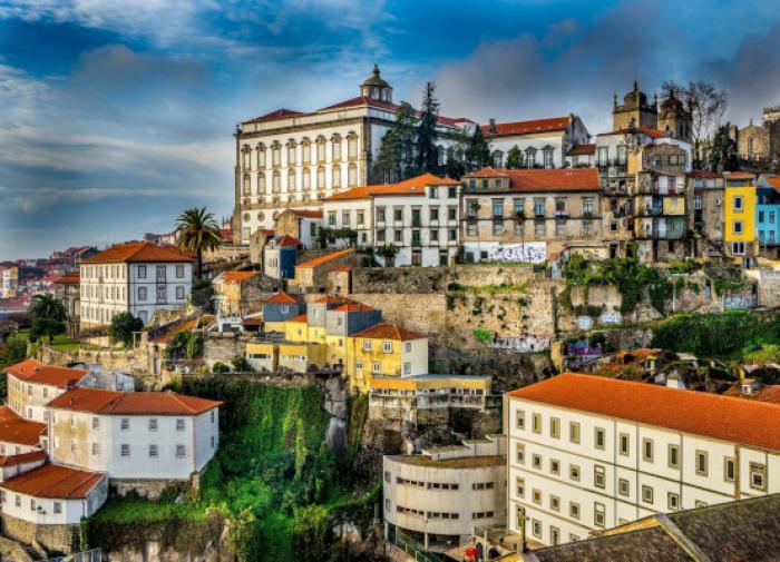 Угрозы Португалии выйти из НАТО оказались действенными.