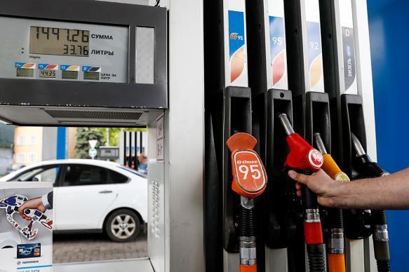 Росстандарт: почти на каждой пятой АЗС в России не доливают топливо