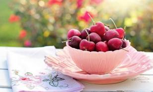 Врачи советуют не употреблять вишню на голодный желудок