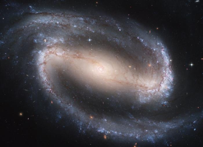 Таинственный радиосигнал из центра галактики: учёные ломают головы