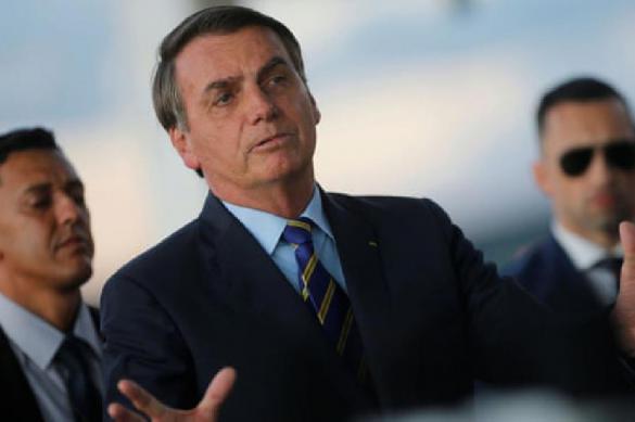 Медики Бразилии считают угрозой поведение собственного президента