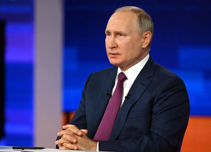 Собчак объяснила, для чего Путин ушёл на самоизоляцию