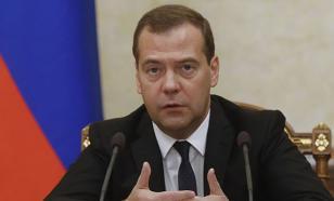 Медведев: НАТО втянуло Россию в холодную войну