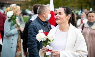"""""""Ну вы как знали"""": Тихановская рассказала, как Байден дал ей печенек"""