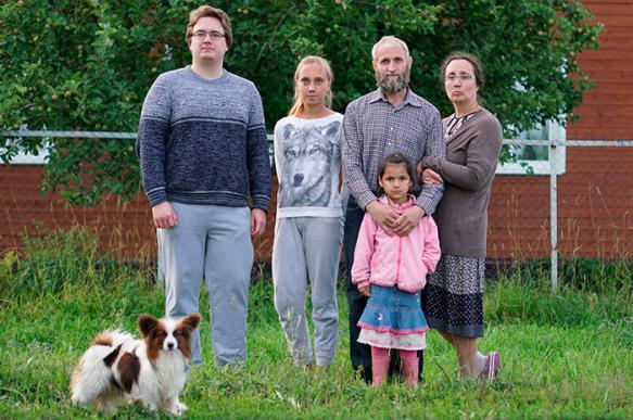 Уголовное дело возбудили против родителей, привязавших ребенка к столбу