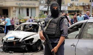 В Александрии прогремели три взрыва