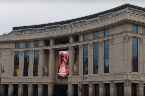 """Арабская компания выкупит половину ТРЦ """"Галерея"""" в  Петербурге"""