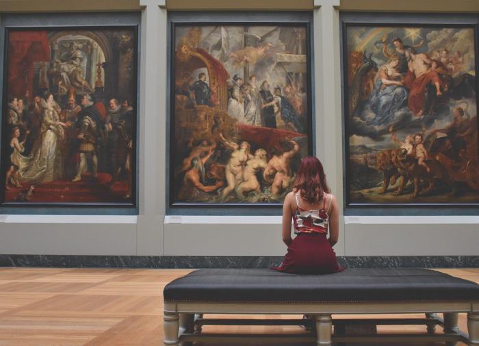Художница Елена Ильичева: когда рисую кистью, плохо себя чувствую