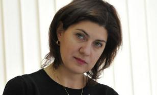 Подозреваемую в хищениях сотрудницу Минобрнауки уволили