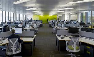 Банки начнут переводит сотрудников на работу с проживанием в офисе