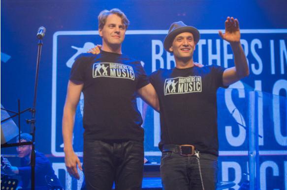 Звезды мюзиклов из России и США образуют рок-братство в Москве