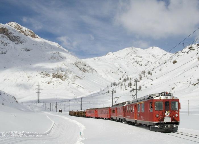 Торговля на Шёлковом пути: грузовой поезд отправился из КНР в Россию