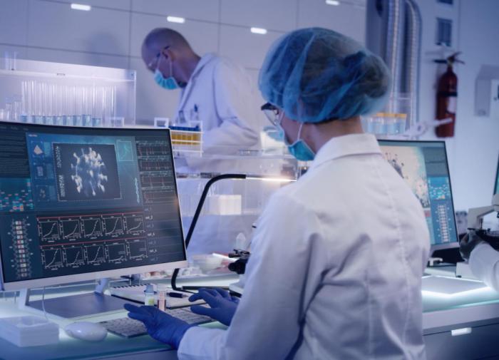 Длительность естественного иммунитета у перенёсших COVID-19 установили учёные