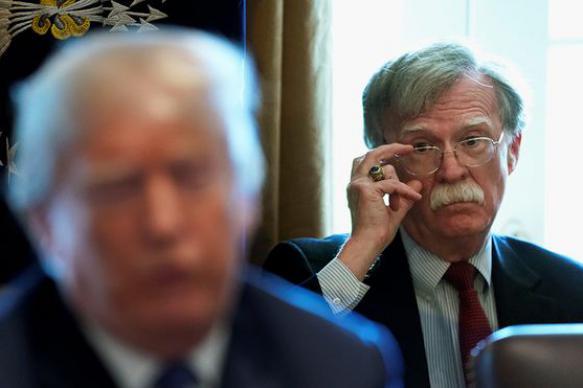 Болтон во время частного ужина раскритиковал внешнюю политику Трампа