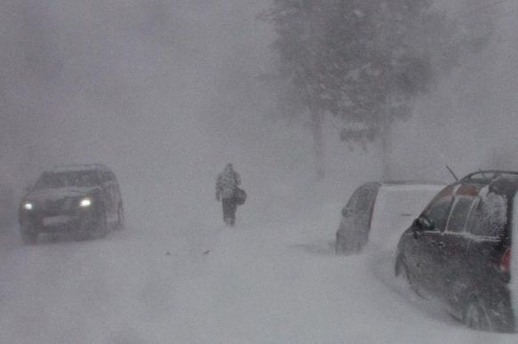 Циклон оставил без света 12 населенных пунктов на Сахалине