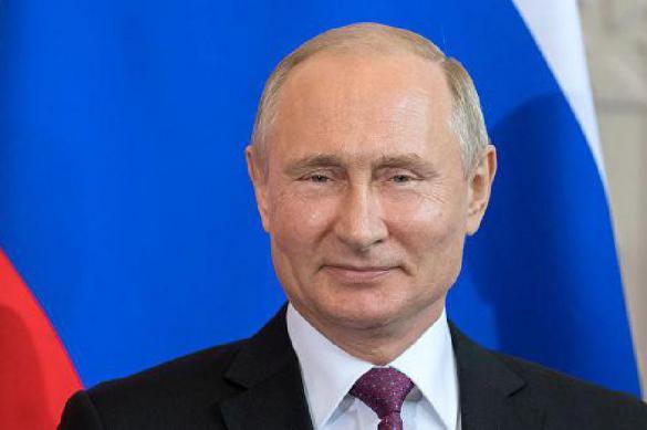 Путин подписал указ о выплатах семьям с детьми