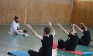 ФСИН не станет запрещать йогу в СИЗО после жалобы Мизулиной