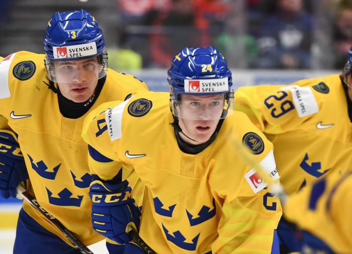 Форвард сборной Швеции обвинил Россию в грязной игре на МЧМ