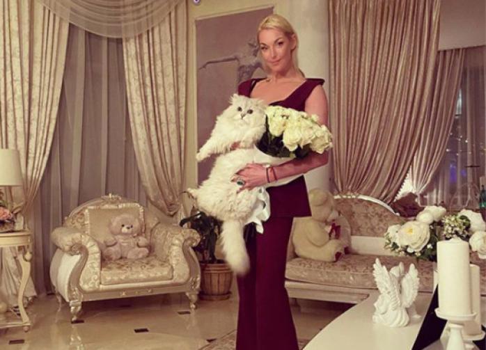 Анастасия Волочкова отсудила у экс-супруга 22 квартиры