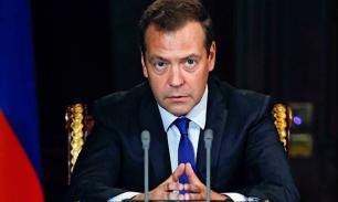 На похороны Каримова отправится российская делегация во главе с Дмитрием Медведевым