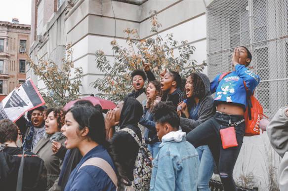 """Жители штата Канзас протестуют из-за """"массовой компьютеризации"""" в школах"""
