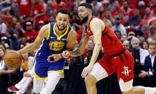 Игрокам НБА могут сократить зарплаты на 50% из-за пандемии