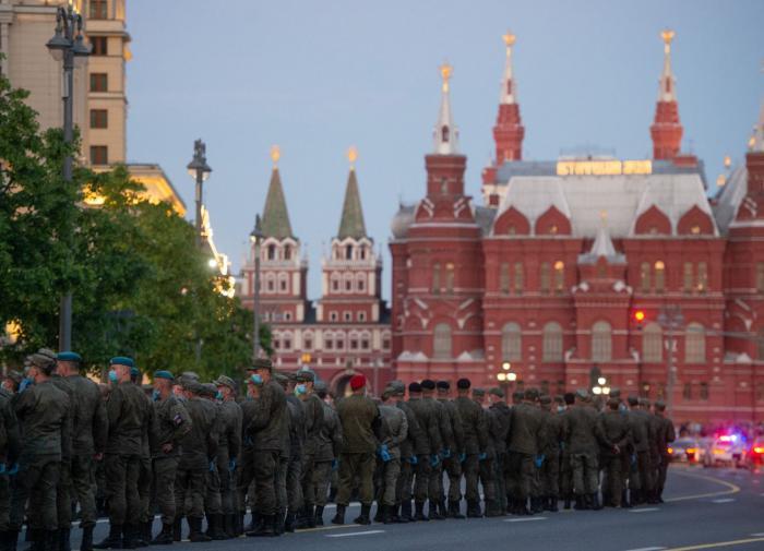 Делегации 10 стран приедут на парад Победы в Москву