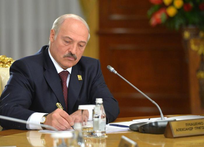 """Лукашенко: """"польские консультации по развалу страны"""" не пройдут"""