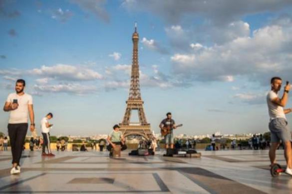 Евросоюз готовится начать туристический сезон